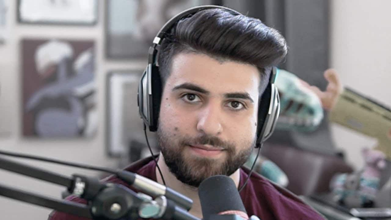 Sypher looking at camera
